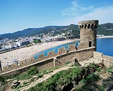 Mont Guardi battlements and beach beyond, Tossa de Mar, Costa Brava, Catalonia, Spain, Mediterranean, Europe