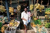 Banana vendor, Bandarawela, Sri Lanka, Asia