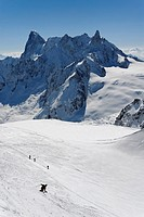 From l'Aiguille du Midi, Grandes Jorasses, Arte de Rochefort & Dent du Gant, Massif of Mont Blanc (thumbnail)