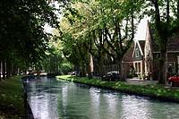Kanal I Staden Edam, Canal By Street