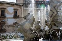 Fontana di Diana, fountain, Ortygia, Syracuse, Sicily, Italy, Europe