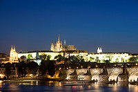 Charles Bridge, with St. Vitus´s Cathedral, Royal Palace, and Castle on skyline, UNESCO World Heritage Site, seen from across the River Vltava, Prague...