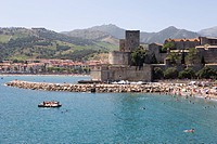 Beach, Chateau Royal, Collioure, Pyrenees_Orientales, Languedoc, France, Europe