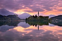 Lake Bled at dawn with Assumption of Mary´s Pilgrimage Church, Slovenia, Europe