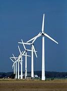 Vindkraftverk, Tvååker i Halland. Wind Turbines In A Row, Tvååker, Halland, Sverige