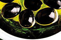 Black olives in olive oil