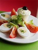 Hard_boiled eggs with tomatoes and mayonnaise