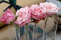 Arrangement of roses (thumbnail)