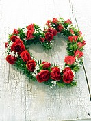 Flowers in heart form (thumbnail)