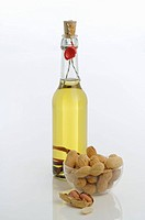 Peanut oil and peanuts (thumbnail)