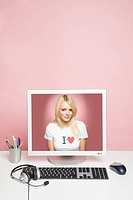A young woman on a computer (thumbnail)