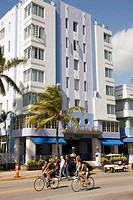 Florida, Miami Beach, ´Ocean Drive´, New Year´s Day, Art Deco District, Park Central  Hotel, palm tree, architect Henry Hohauser, vertical fluting, wo...