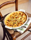 Chicken and leek gratin on a chair
