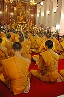 Monks at wat chana songkhram Bangkok, Thailand