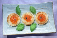 salmon caviar on rolls