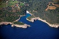 Spain, Balearic Islands, Mallorca, al norte de Cala dÓr, Cala sa Nau