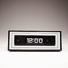 Retro clock set for 12:00