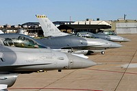 F_16 Fighting Falcons prepare to taxi for departure