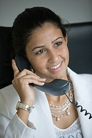 Business, phone, women, woman, Arabic (thumbnail)