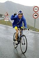ciclismo, scalata al colle dell´agnello, piemonte, italia