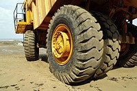 Heavy duty rigid dumper truck