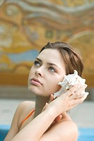 beauty woman with sea shell