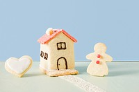Biscuit house and gingerbread woman