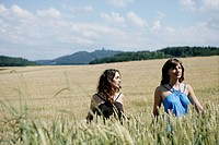 Women, beauty, walking, nature, corn field, young (thumbnail)