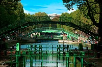 CANAL SAINT_MARTIN QUAI DE JEMMAPES PARIS FRANCE