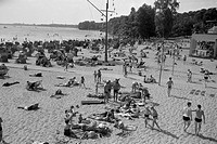 bathing, at Müggelsee, Berlin, 1970, people, leisure, beach, chair, chairs, East Germany, German Democratic Republic, GDR, 20th century, historic, his...