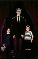 movie, Addams Family, USA 1991, director: Barry Sonnenfeld, scene with: Christina Ricci, Carel Struycken, Jimmy Workman, comedy, horror, after comic b...