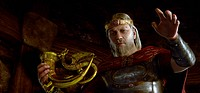 movie, Beowulf, USA 2007, director: Robert Zemeckis, scene with: Ray Winstone, fantasy, animation, half length, goblet, horn, gold, armour, cuirass, b...