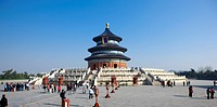 China, Beijing, Tourist visiting Temple Of Heaven