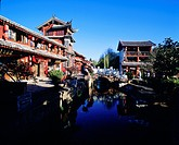 Traditional buildings and bridge in Lijing Old Town, Lijiang City, Yunnan Province, China