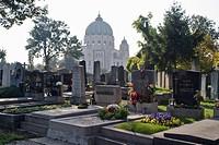 HV758928 GrŠberfeld vor der Karl_Lueger_GedŠchtniskirche auf dem Zentralfriedhof in Wien