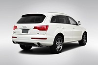2009 Audi Q7 TDI Premium in White _ Rear angle view