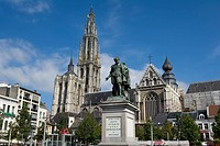 Belgium - Flanders - Antwerp - Statue of Peter Paul Rubens and the Cathedral of Our Lady... (thumbnail)