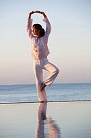 Woman sea tai_chi