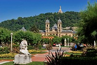 Spain, Guipuzcoa Province, San Sebastian, Alderdi Eder Park and City Hall