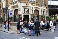 United Kingdom, London, pub
