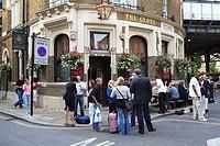 United Kingdom, London, pub