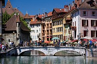 France, Haute Savoie, Annecy, Quai de l´ Ile and Thiou river