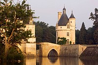 France, Indre et Loire, Chateau de Chenonceau spanning Cher River