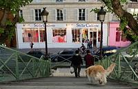France, Paris, Canal Saint Martin, bridge over Rue de Lancry lock