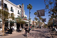 United States, California, Los Angeles, Santa Monica, 3rd street promenade, pedestrian street, Criterion cinema, restaurants, terraces and shops