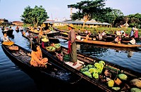 Myanmar Burma, Shan State, Lake Inle, floating market in Yohama village