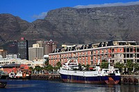 South Africa, Cape Town, Victoria & Alfred Waterfront, 5 star Cape Grace hotel with Table mountain in the background