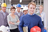 Business people and construction workers posing (thumbnail)