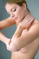 ELBOW PAIN IN A WOMAN Model