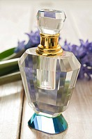 Perfume and flowers (thumbnail)